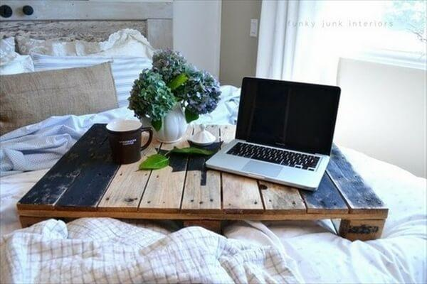 diy-pallet-bed-tray