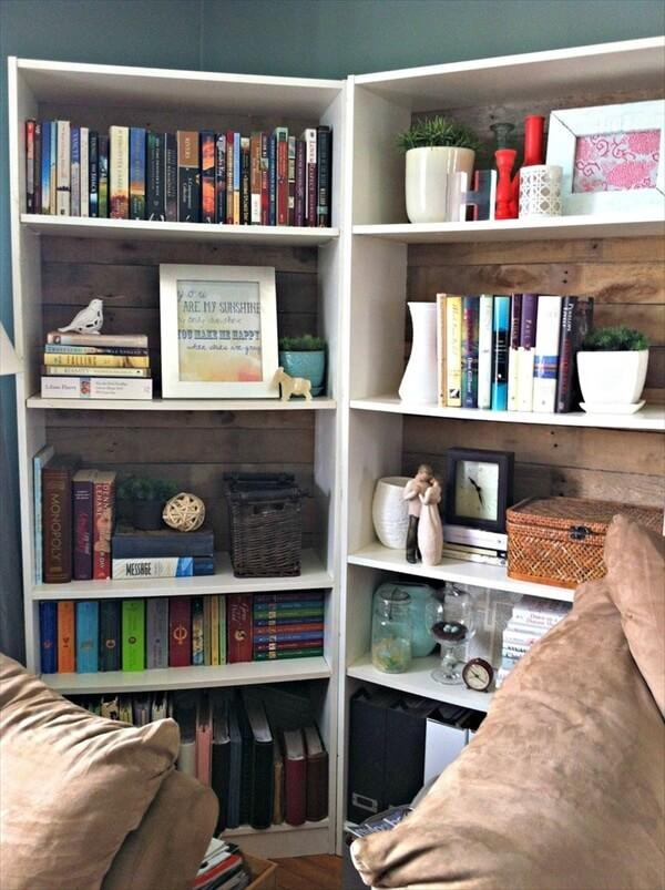 Pallet Bookshelf Stores The Mess Inside