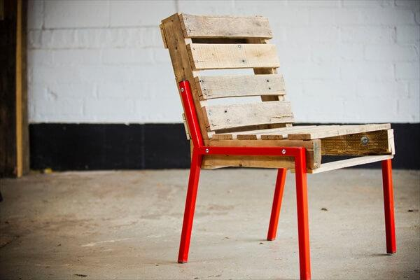 Constructing a Perfect Pallet Chair