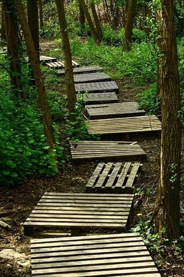 pallet-walk-way