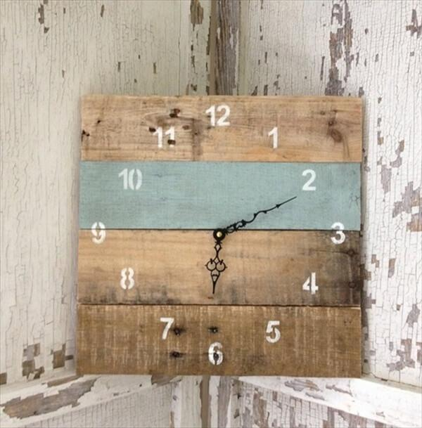 reclaimed-pallet-wood-wall-clock