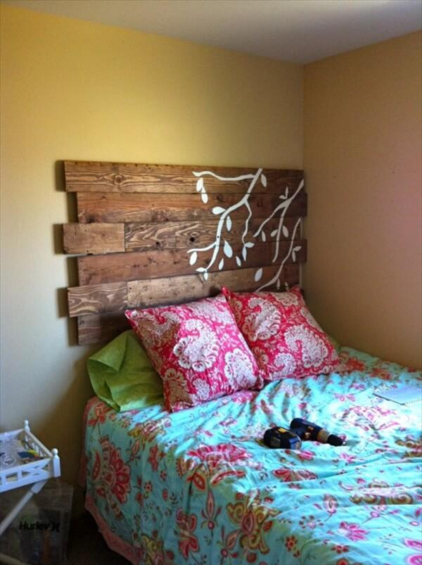 diy-pallet-headboard-ideas