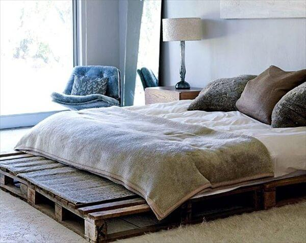 Inspiring Pallet Bed Frame Decorating Ideas