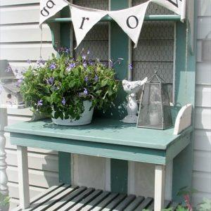 Pallet Potting Bench Useful for Different Chores