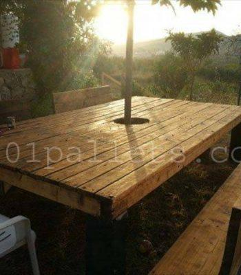 Outdoor Pallet Table for BBQ