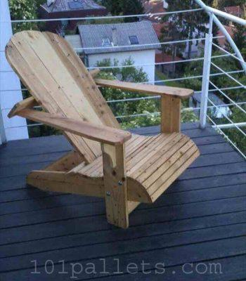 Comfortable Pallet Adirondack Chair