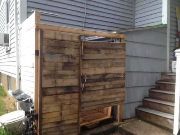 Outdoor Shower from Pallets