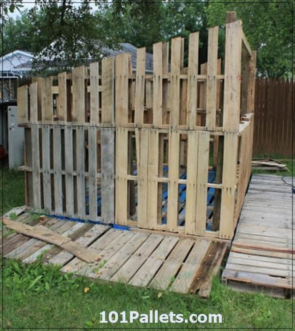Beautiful Diy Shed Using Pallets 101 Pallets