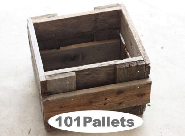 DIY Pallet Planter Box