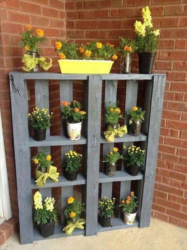 pallet garden and vertical planter