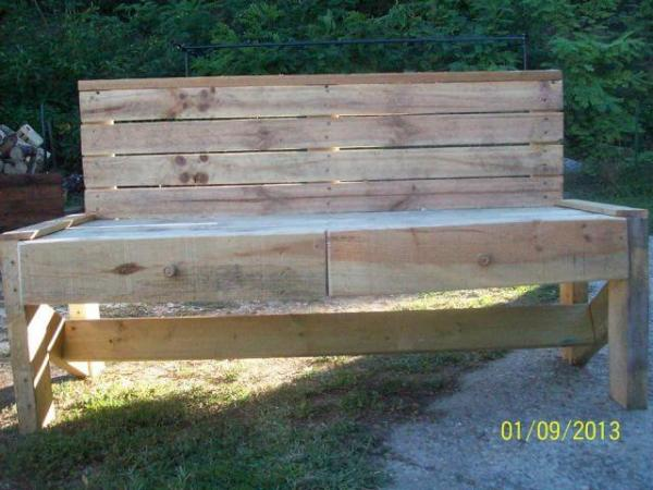 Pallet Bench with Drawers