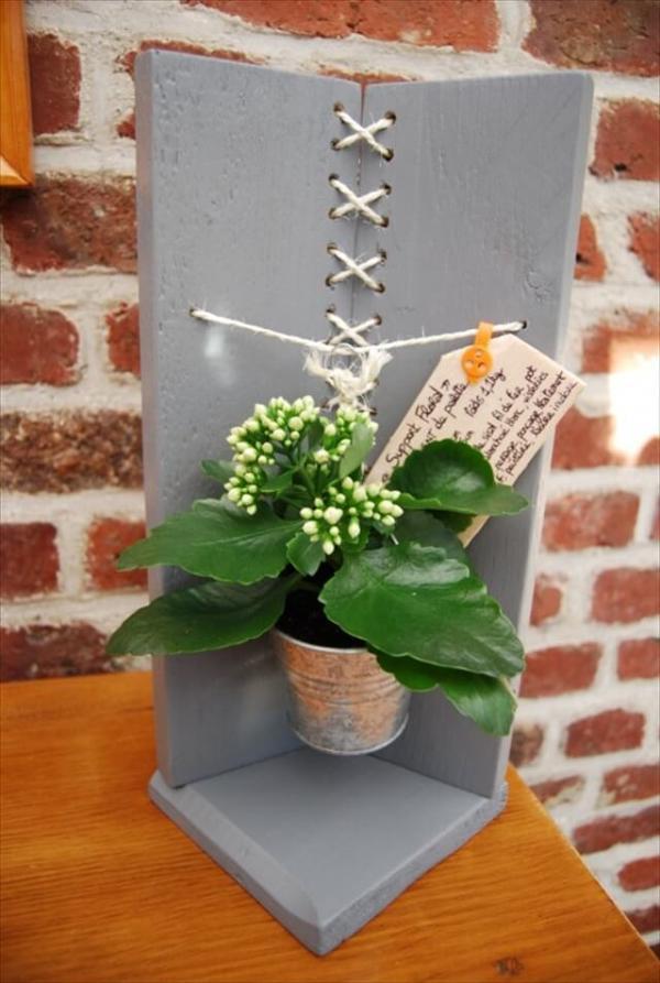 Modern Pallet Flower Holder