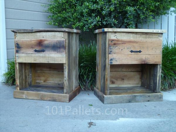 DIY Pallet Nightstand