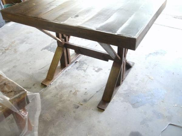 how to make a trestle table from pallets