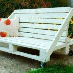 DIY Pallet Bench for Outdoors