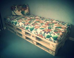 DIY Furniture Made From Pallets