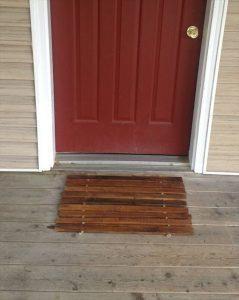 Pallet Doormat – Entryway Mat – DIY Wooden Mat