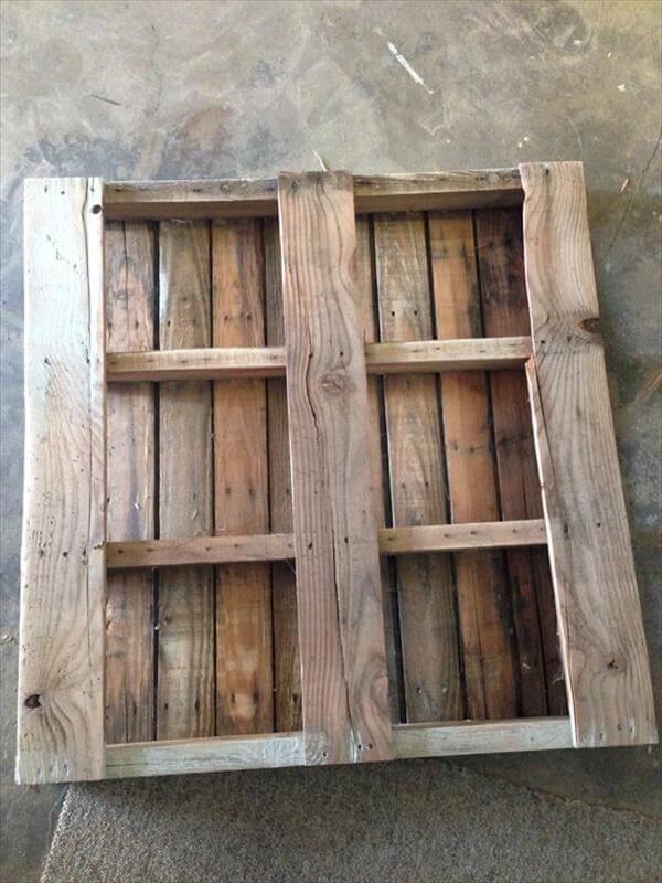 Wooden Pallet Plate Rack
