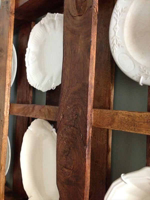 Pallet Plate Rack for Kitchen