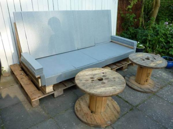 DIY Outdoor Pallet Sofa ideas