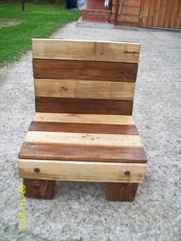 Awesome Diy Small Pallet Chair For Kids 101 Pallets Caraccident5 Cool Chair Designs And Ideas Caraccident5Info