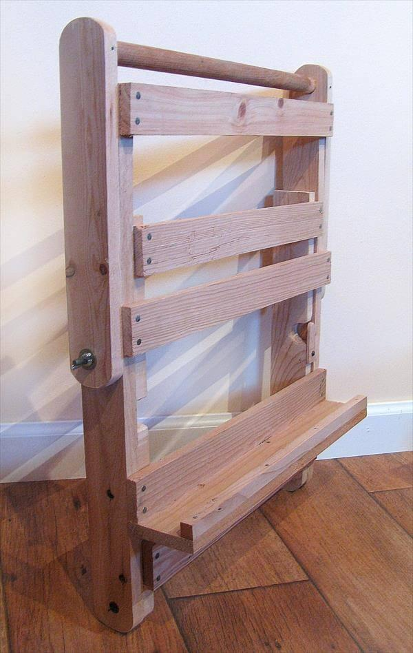 Upcycled Pallet Easel Art 101 Pallets