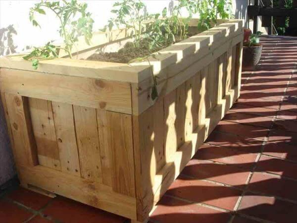 Make Pallet Planter