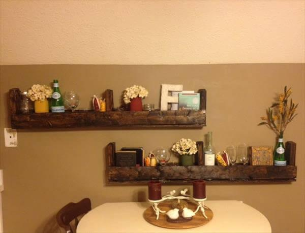 DIY Pallet Shelf Set