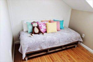 bed out of pallets