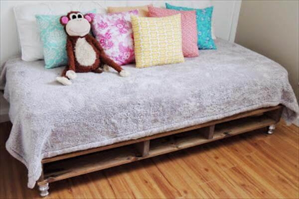 pallet bed renovation