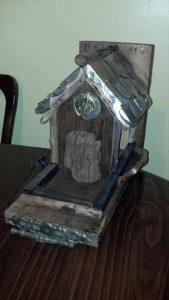 bird feeder made from pallets