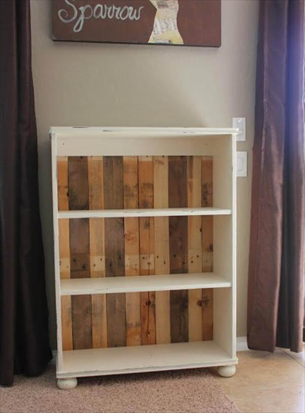recycled pallet wood shelve