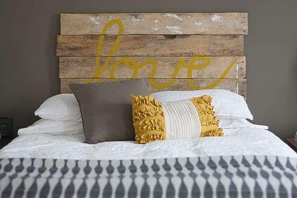 headboard out of pallet
