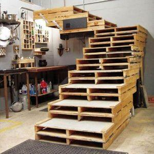 upcycled pallet stair