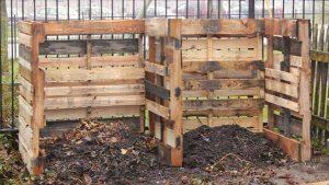DIY Simple Pallet Compost Bin Design