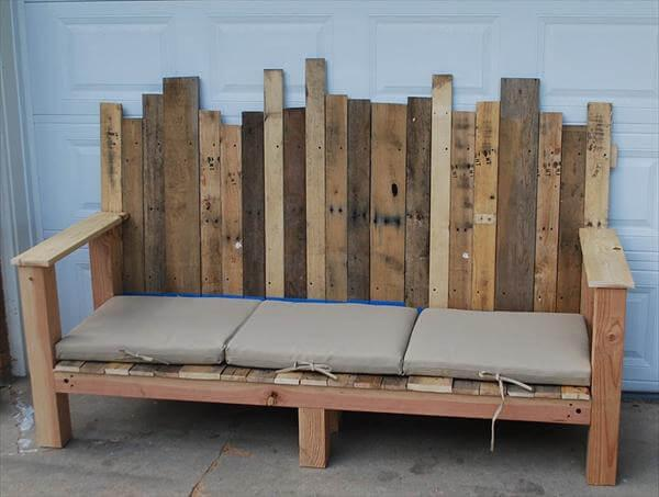 recycled pallet couch idea