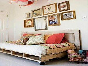 6 DIY Charming Pallet Daybed Ideas