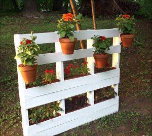 DIY Mini Pallet Garden Planter