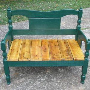 DIY Pallet Bench Design