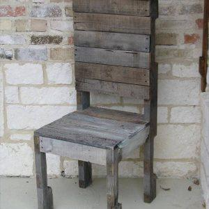 repurposed pallet chair