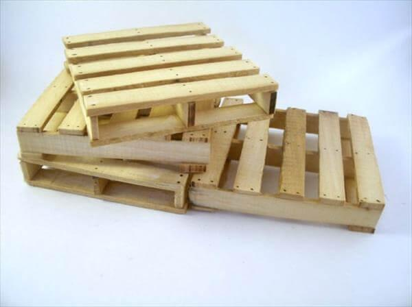 reclaimed pallet coasters