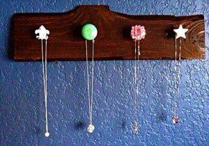 recycled pallet jewelry rack