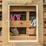 reclaimed pallet picture frame