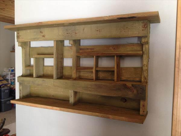 reclaimed pallet wall rack