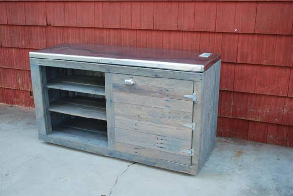 recycled pallet storage buffet