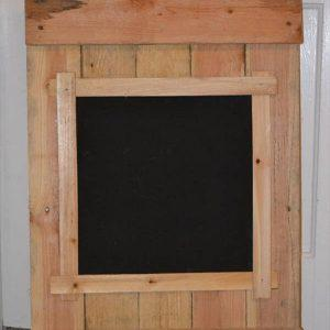 repurposed pallet chalk board