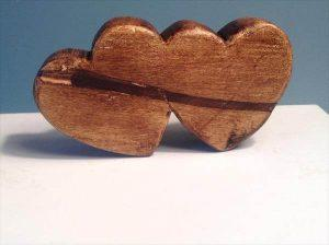recycled pallet double heart