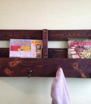 upcycled pallet bookshelf and coat rack