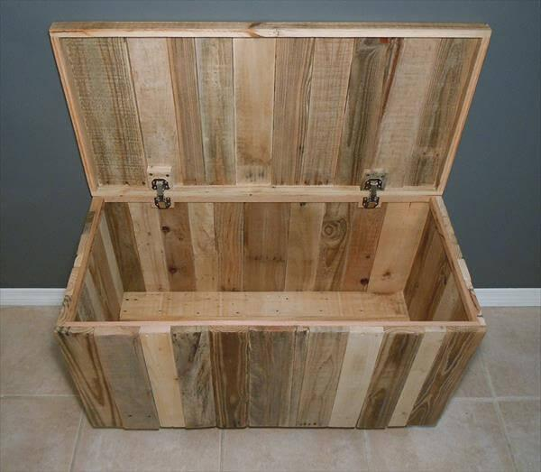 diy hinged pallet chest