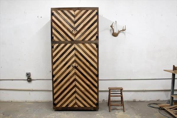 upcycled pallet chevron cubby
